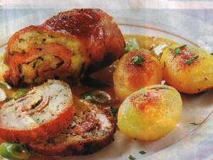 Мясной рулет из телятины с хлебной начинкой