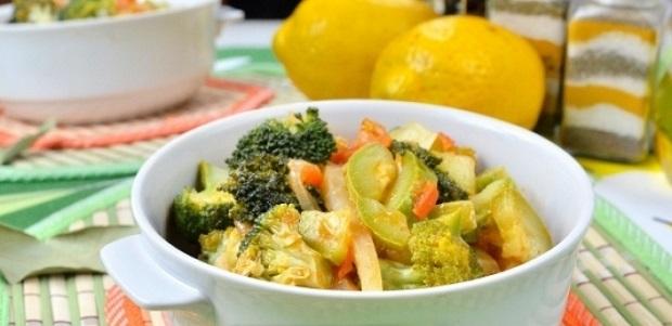 Овощное рагу с кабачками и капустой кольраби