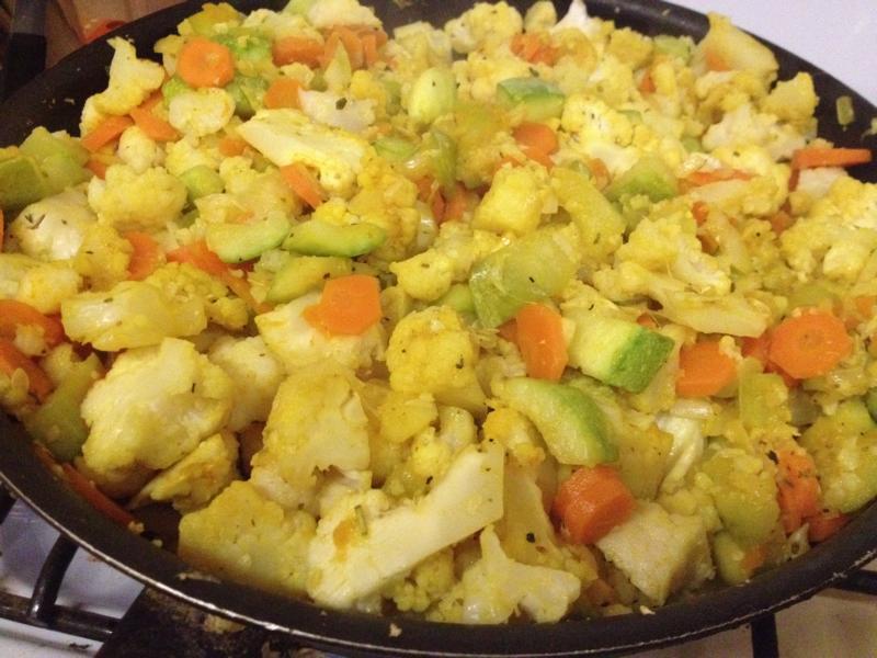 Овощное рагу с сельдереем и кольраби