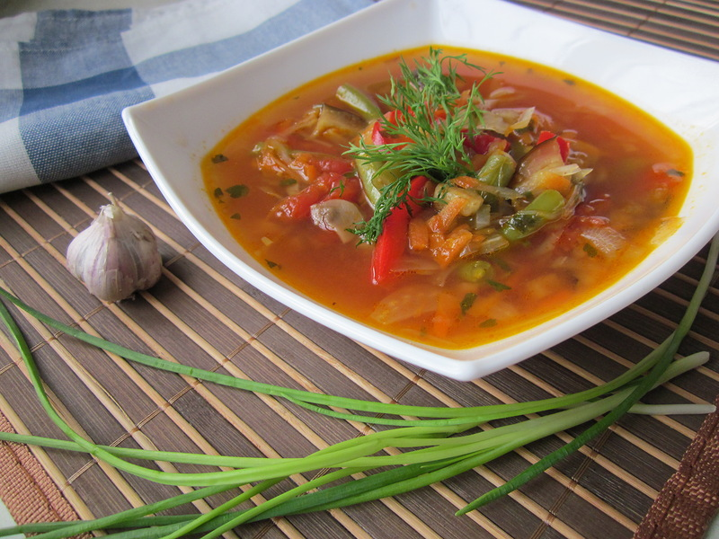 Суп со стручковой фасолью и грибами